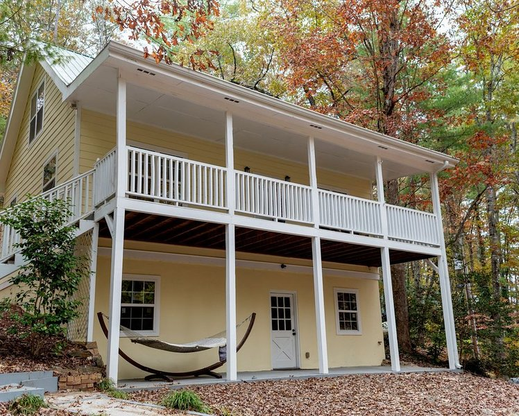 Hiwassee River Cottage, holiday rental in Brasstown