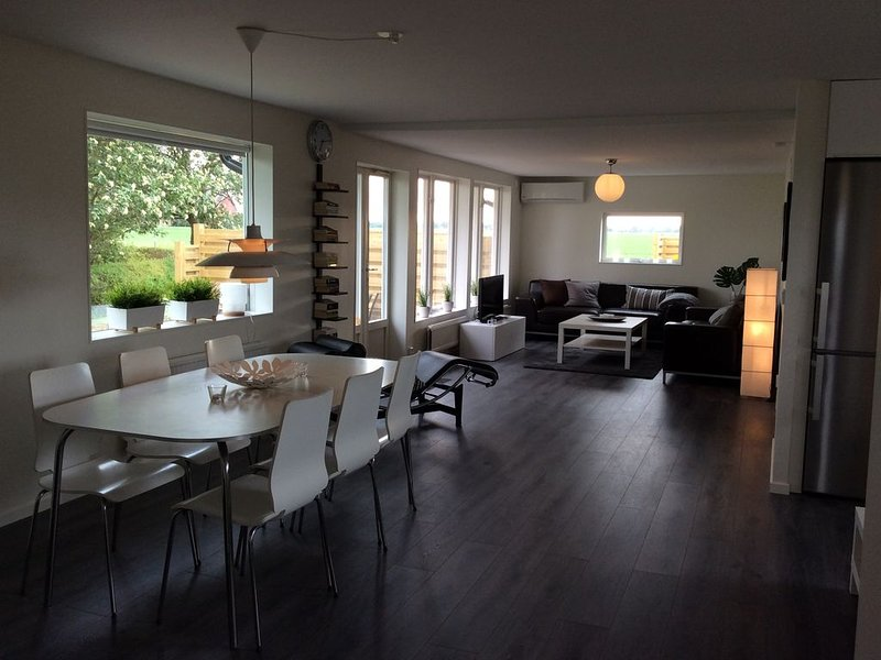 Home to rent for long term stay, 4 bedrooms (not short time rental), vacation rental in Helsingborg