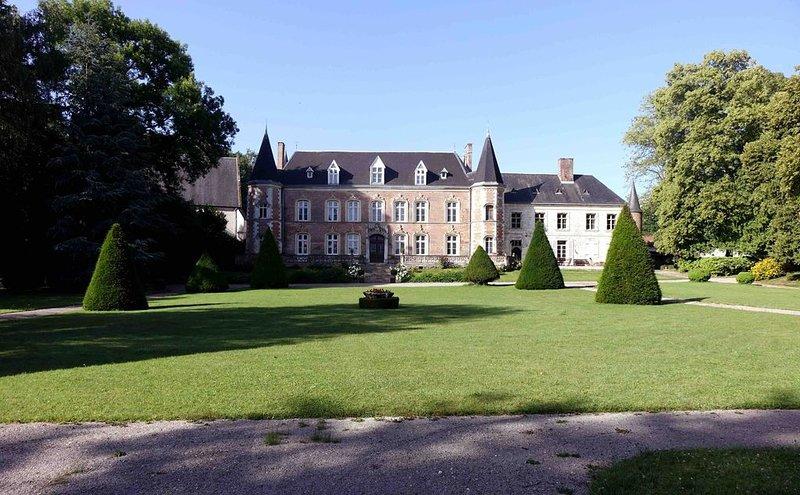 Château d'Argoules en Baie de Somme à 20 mn de la mer, holiday rental in Aubin-Saint-Vaast