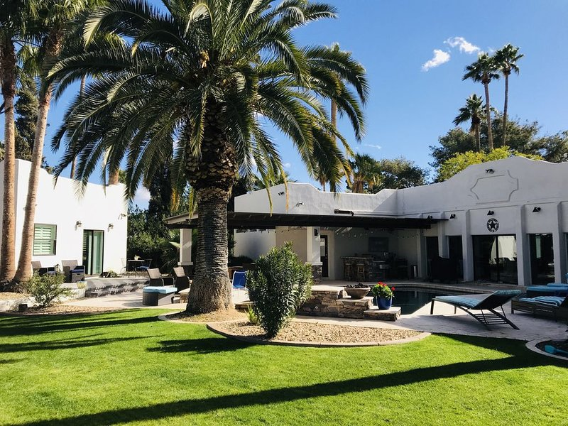 Cozy Retreat in Litchfield Park, AZ with Optional Guest Casita & Heated Pool!, alquiler vacacional en Litchfield Park