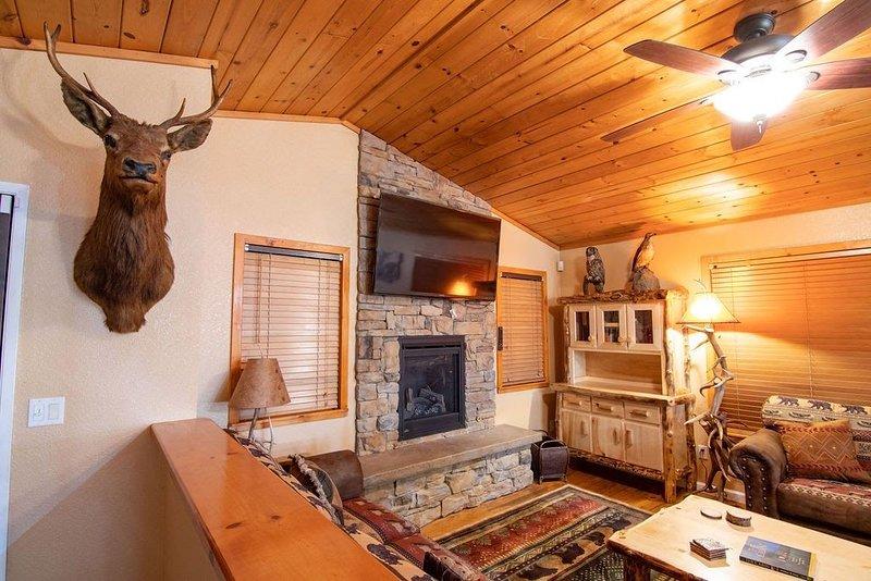 Twain Harte Rustic Cabin Rental, location de vacances à Mi Wuk Village