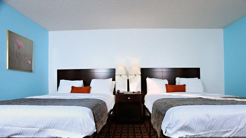 Sky-Palace Inn & Suites Newton / 2 Queen Bed Non-smoking, location de vacances à Sedgwick