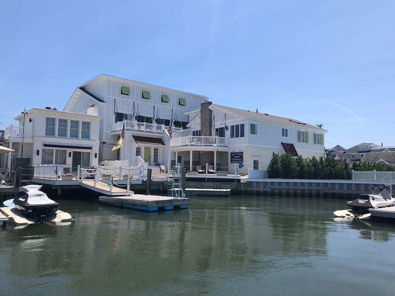The Penthouse at Shelter Haven, holiday rental in Stone Harbor