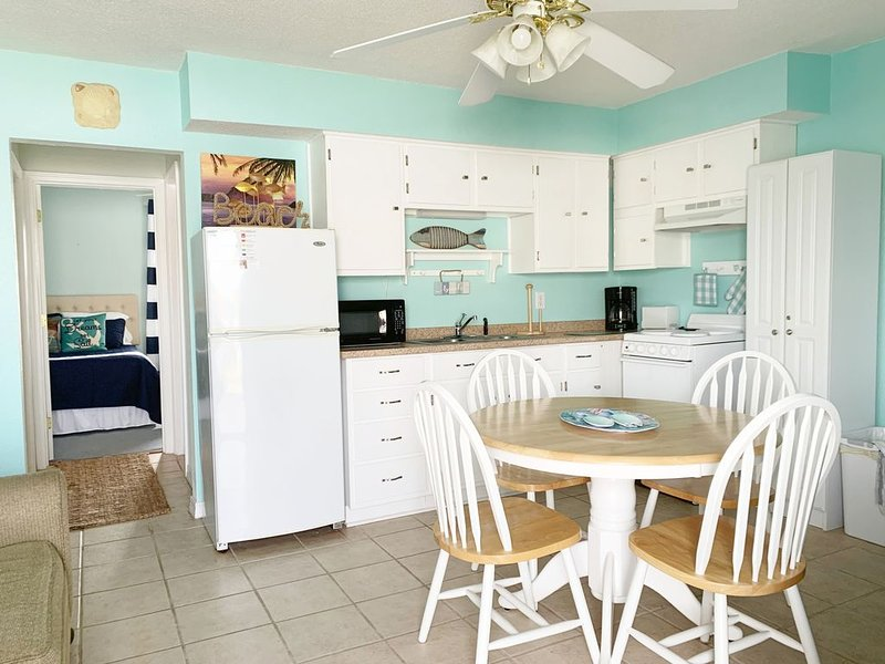 Moonraker #25 - 2 Minute Walk to Beach! Family Friendly!, casa vacanza a Costa del Golfo