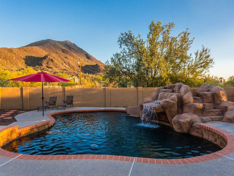 *SANITIZED* Saguaro Sunset * Cave Creek Mountain View 4 BR Home/ PVT Pool/ Jacuz, vacation rental in Cave Creek