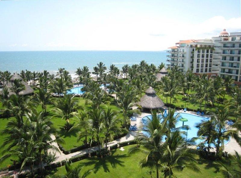 Playa Royale - 3 BR Ocean View - 5 Star Luxury Condo, vacation rental in Nuevo Vallarta