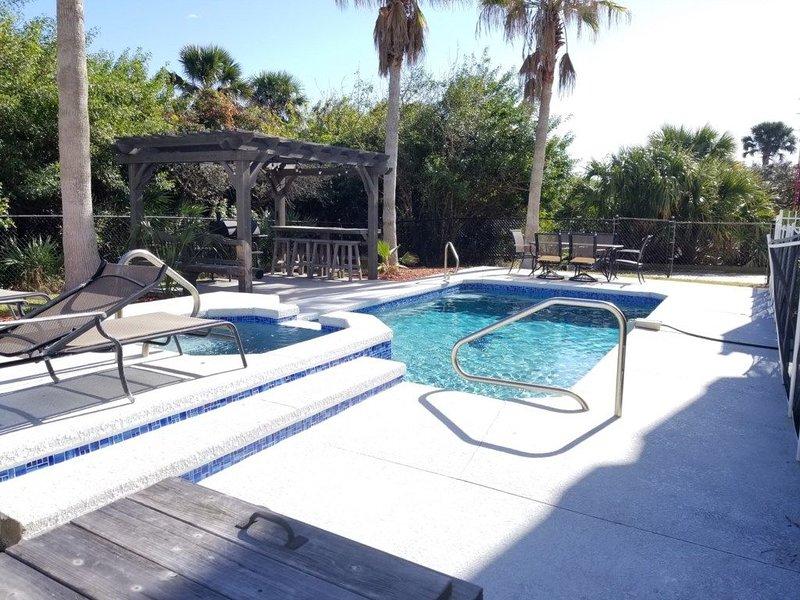 Sweet Dreams, 6 Bedrooms, Ocean View, Private Pool, Hot Tub, Yard, Pool Table, alquiler de vacaciones en Flagler Beach