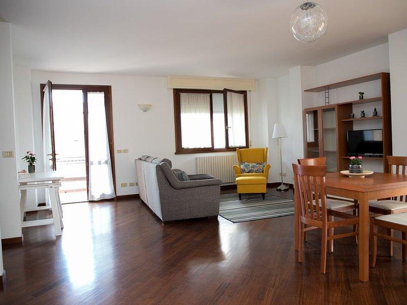 Appartamento elegante vicino al mare, holiday rental in Rivazzurra