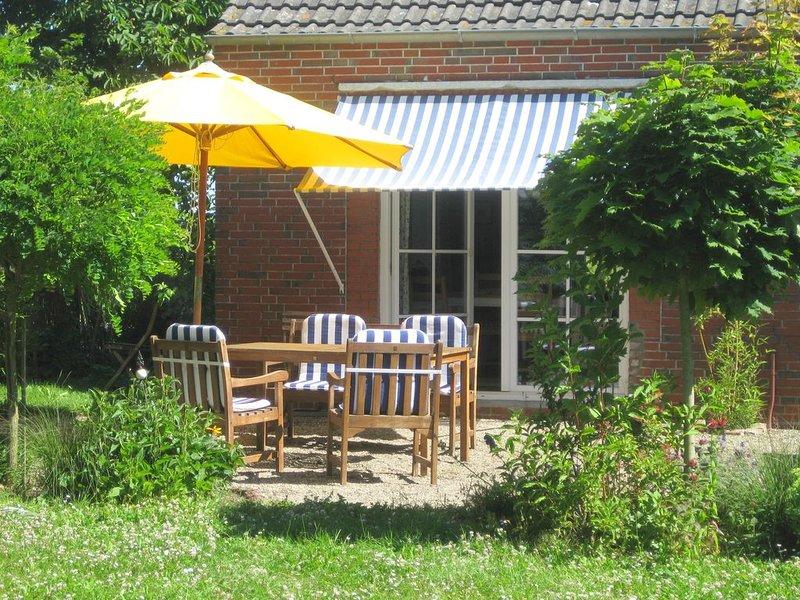Campen Cottage - rustikales Cottage im Shabby-Chic-Stil nahe der Nordseeküste, holiday rental in Steendam