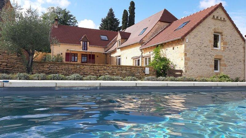 Villa à Sarlat avec piscine - 8 personnes - 4 chambres - calme et détente, location de vacances à Tamnies