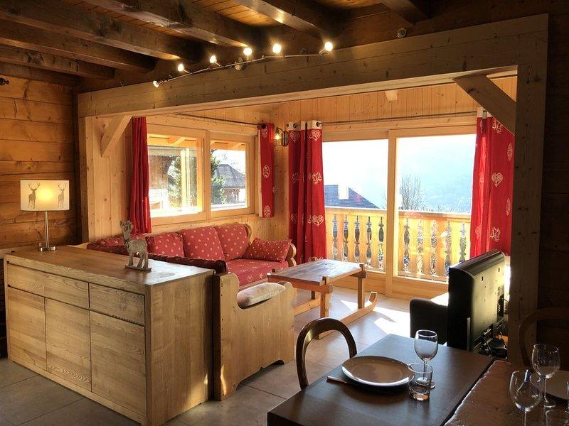Chalet plein sud avec vue sur la vallée du giffre, holiday rental in Verchaix