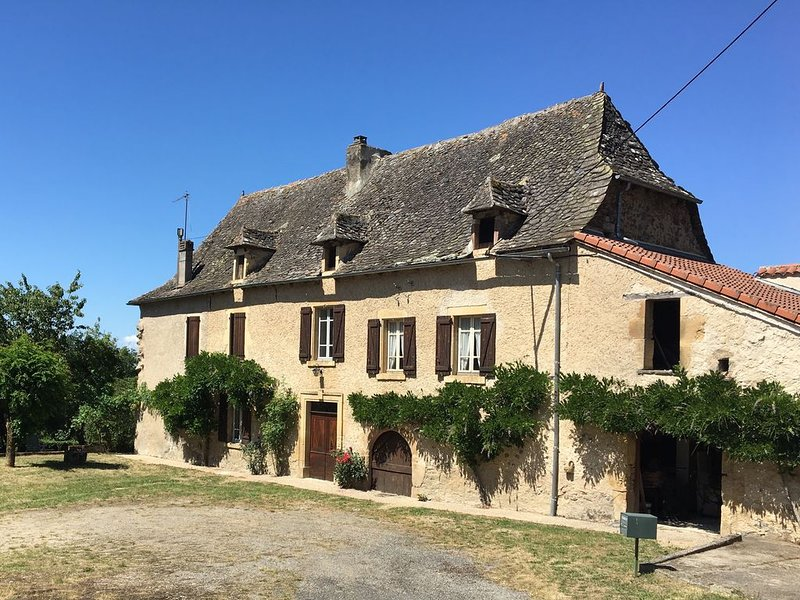 Maison de campagne en Rouergue, holiday rental in La Bastide-l'Eveque