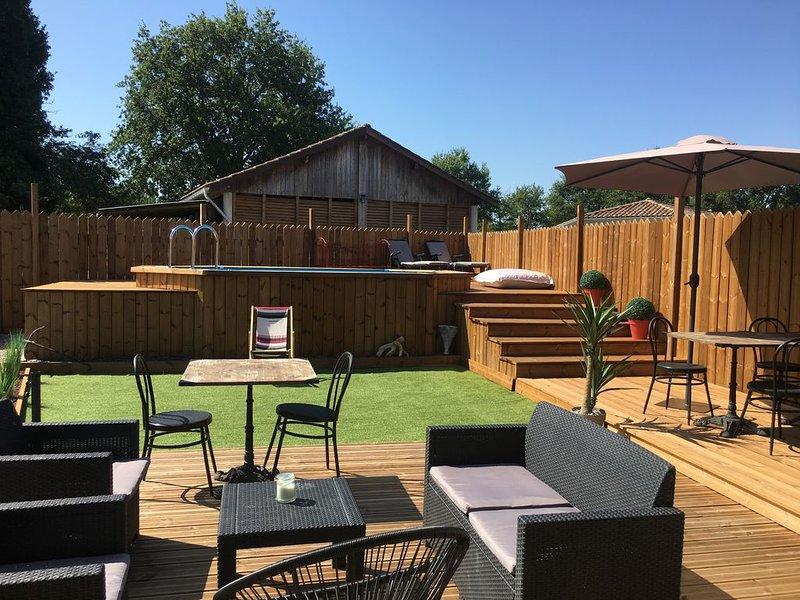 Maison de vacances MIMIZAN, Terrasse bois très chalereuse, piscine privée., holiday rental in Commensacq