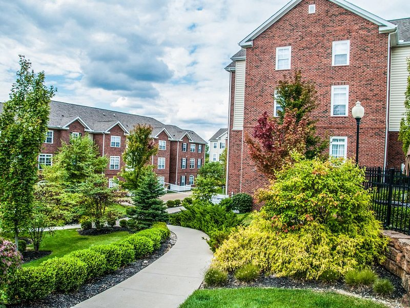 Amenity Filled Apartment near WPAFB & Wright State #2, Ferienwohnung in Fairborn