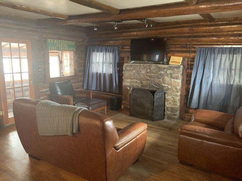 Quaint 2 Bedroom Cabin Near Red Rocks, location de vacances à Kittredge