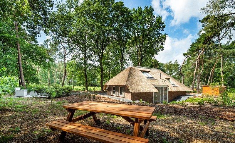 Sprielderbosch 32 Luxushaus in waldreicher und ruhiger Umgebung, vacation rental in Kootwijk