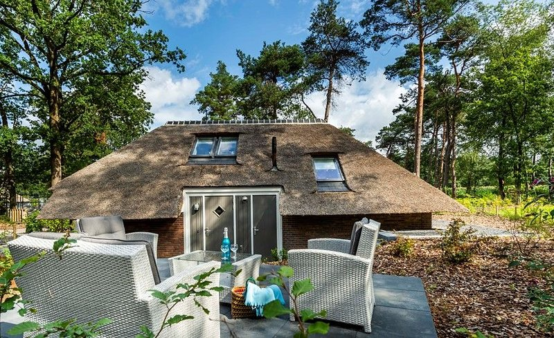 "Landgut Sprielderbosch 21 "" Casa del bosque "", vacation rental in Stroe"