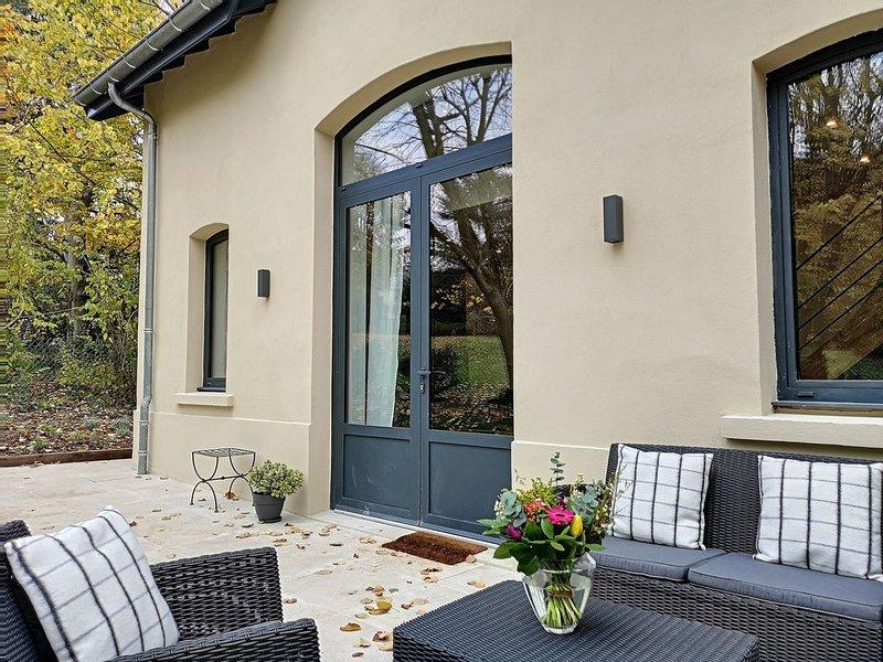 La Viralamande - Jolie maison proche de Lyon, vacation rental in Couzon-au-Mont-d'Or