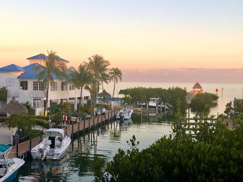 Ocean Front 2/2 Condo,AMAZING OCEAN/MARINA VIEW,Tavernier/Key Largo Fl. Fla.Keys, vacation rental in Key Largo