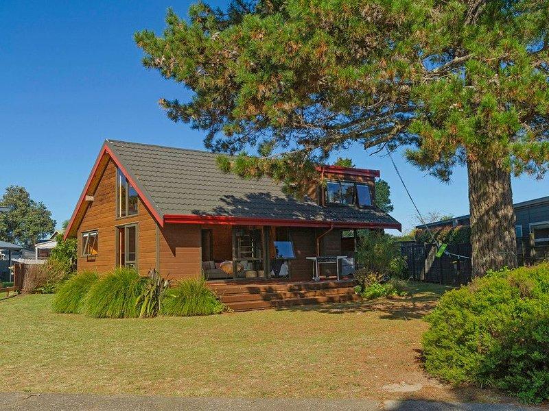 Estuary Escape - Pauanui Holiday Home, holiday rental in Pauanui