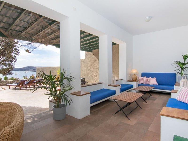 'HereComeTheSun' Acceso directo a la Playa, Sauna, BBQ, holiday rental in Poris de Abona