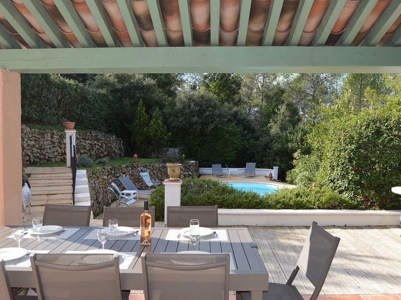 Charmante villa provençale au coeur de la forêt et du village de  Lorgues, alquiler de vacaciones en Lorgues