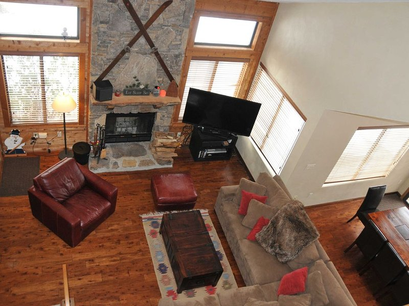 Luxurious Sunridge Ski In/ski Out Townhouse In 7 Springs Villages, alquiler vacacional en Rockwood