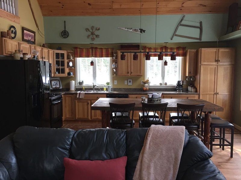 SKI, GOLF, SNOWMOBILE, HIKE, BIKE, RELAX, REPEAT, vacation rental in Mount Holly