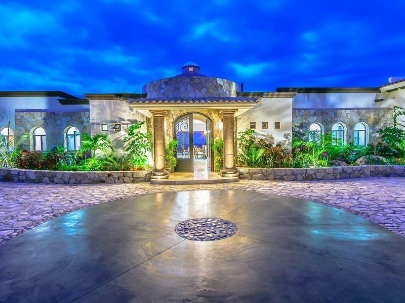 Ocean view amazing 5 bedroom Villa within Puerto Los Cabos Golf Club, Beach, holiday rental in Animas Bajas