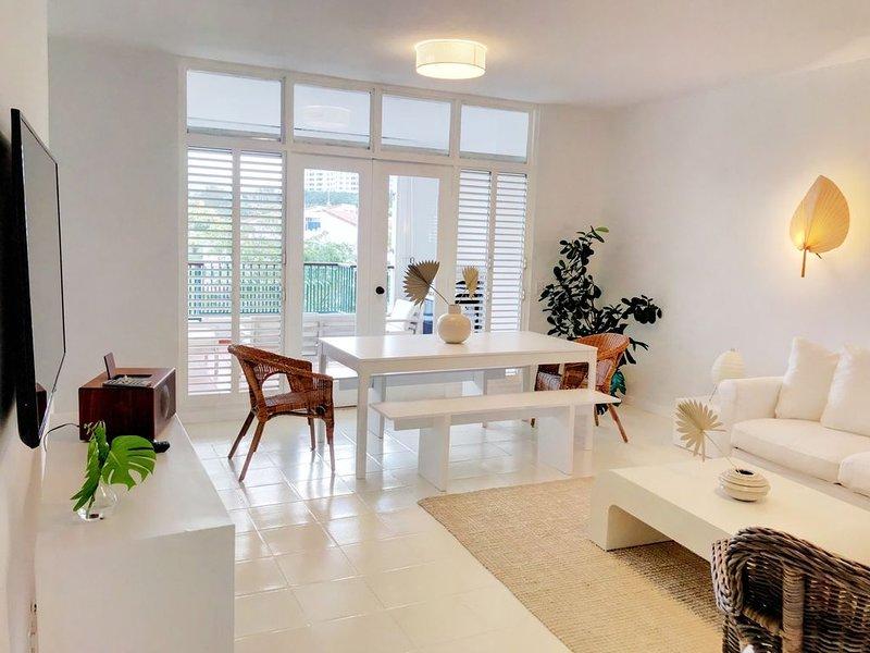 Sunny Modern Duplex 3 Bedroom 3 Bathroom Villa at Wyndham Rio Mar Resort, alquiler de vacaciones en Puerto Rico