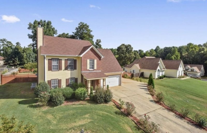 Huge Beautiful House in Rex, Ga, location de vacances à Jonesboro