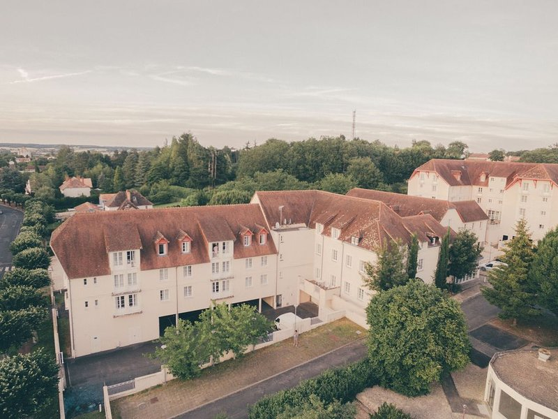 Tidy apartment, located in the town of Roche-Posay, location de vacances à La Roche-Posay