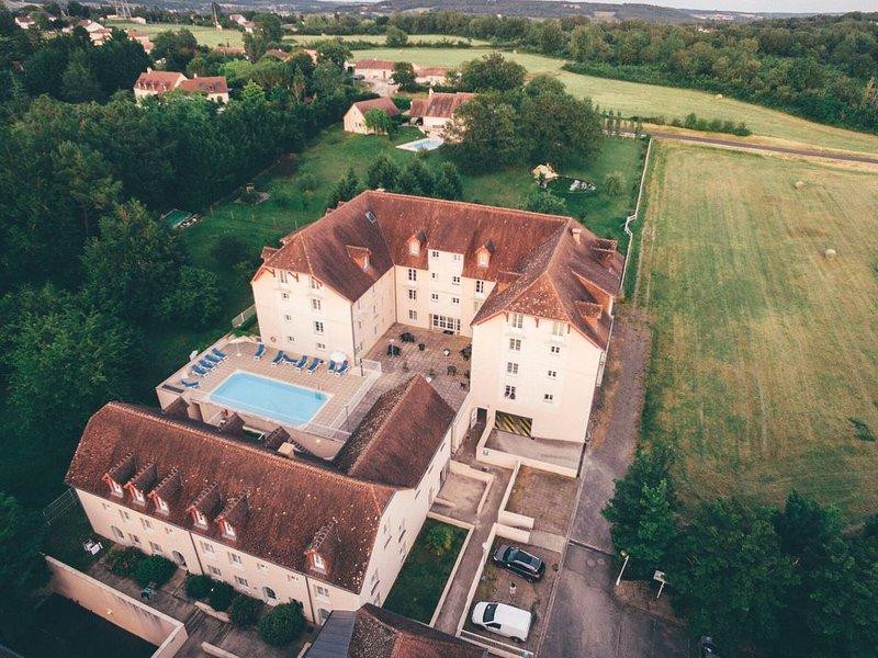 Well-kept apartment, located in nice Roche-Posay, location de vacances à La Roche-Posay