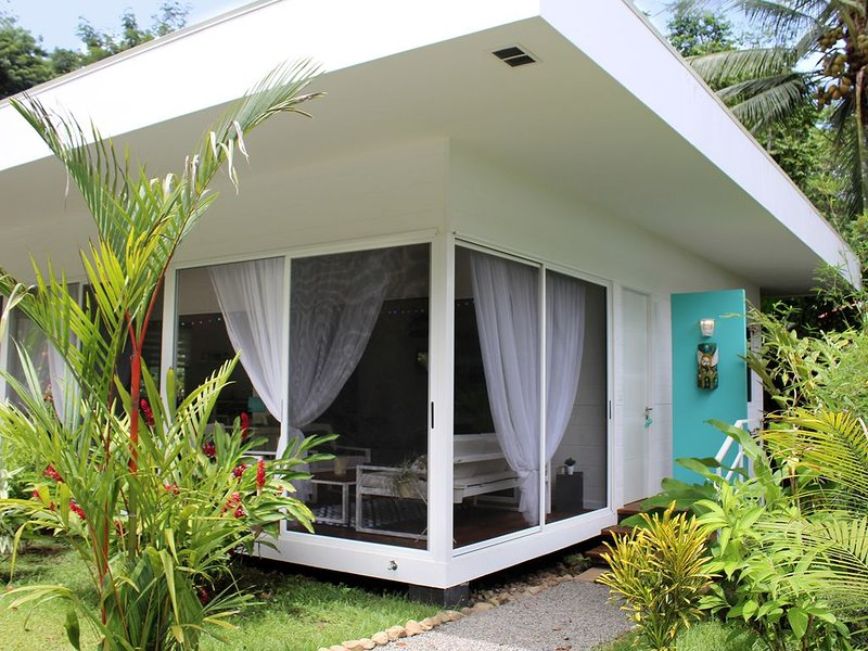 Casa Blanca Villas - Casa Turquesa, vakantiewoning in Ciudad Cortes