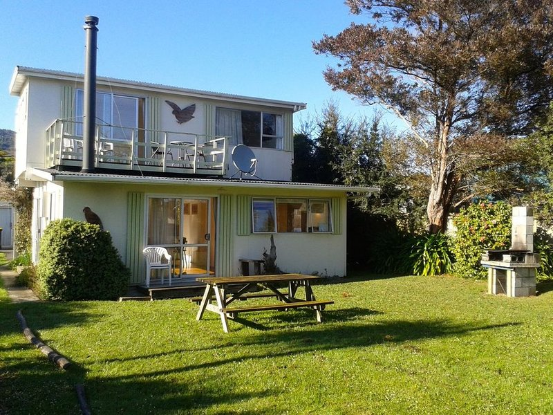 Kea View - Golden Bay Bach (Pohara Beach), vacation rental in Collingwood