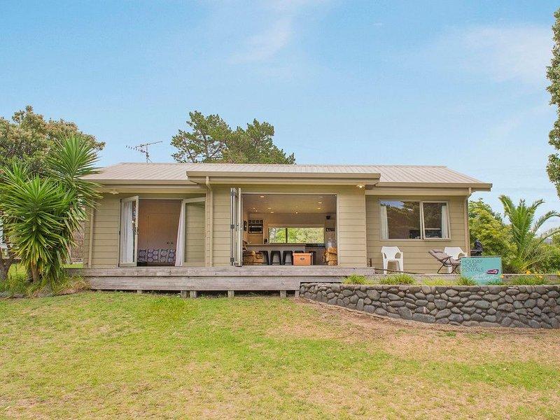 On The Green - Pauanui Holiday Home, location de vacances à Pauanui