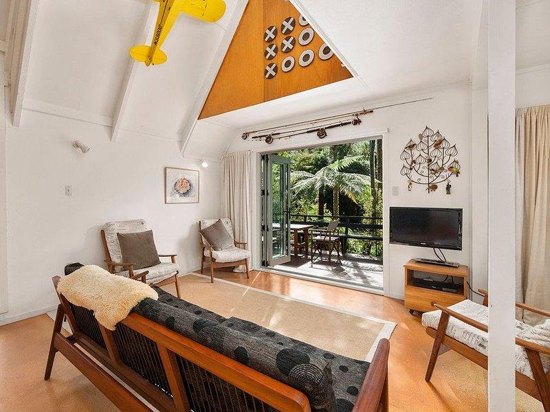 The Summerhouse - Kuratau Holiday Home, location de vacances à Motuoapa