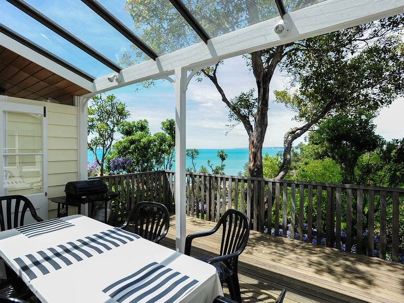 Ocean View Villa - Napier Holiday House, holiday rental in Napier
