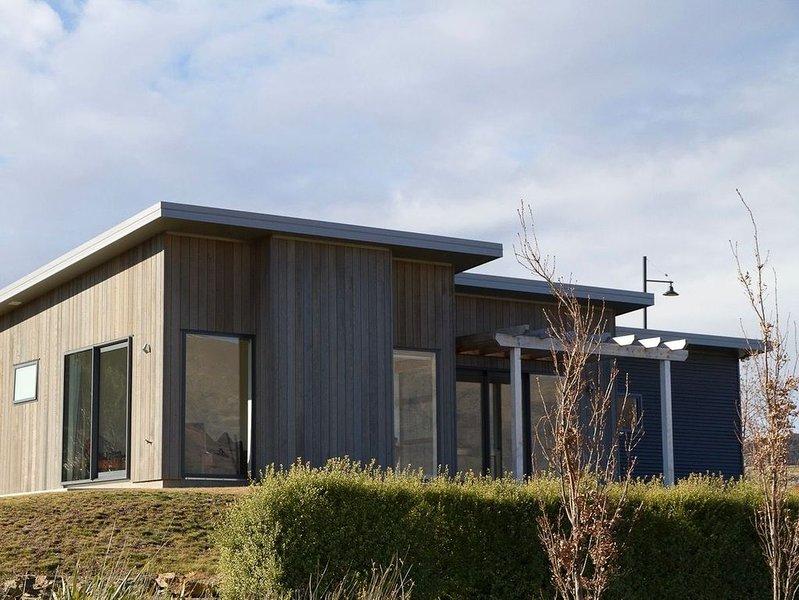 Wanaka Views - Wanaka Holiday Home, alquiler vacacional en Lake Hawea