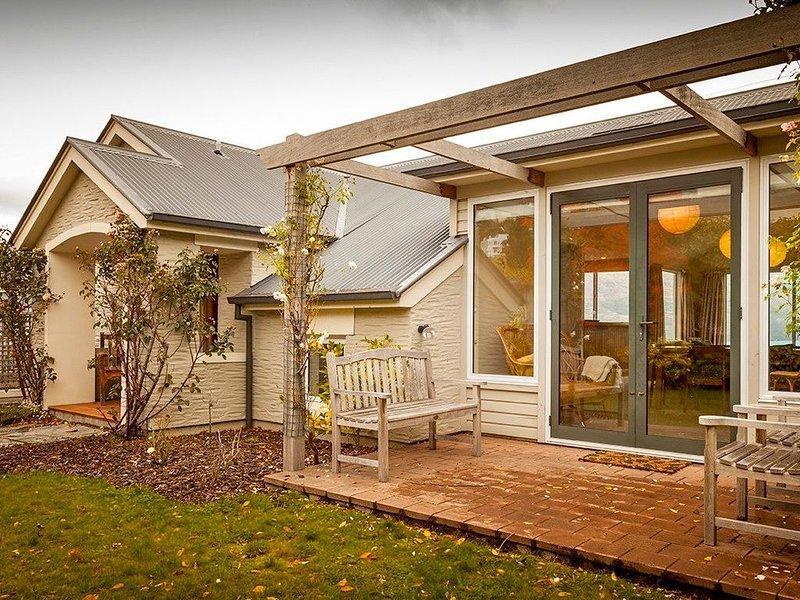 Queenstown Peaks - Queenstown Holiday Home, Ferienwohnung in Queenstown