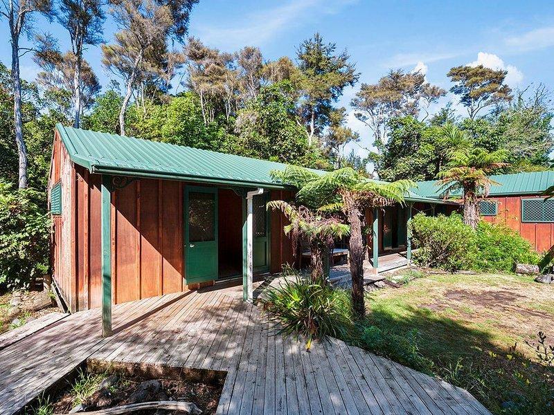 Te Aho Lodge  - Turangi Holiday Home, holiday rental in Turangi
