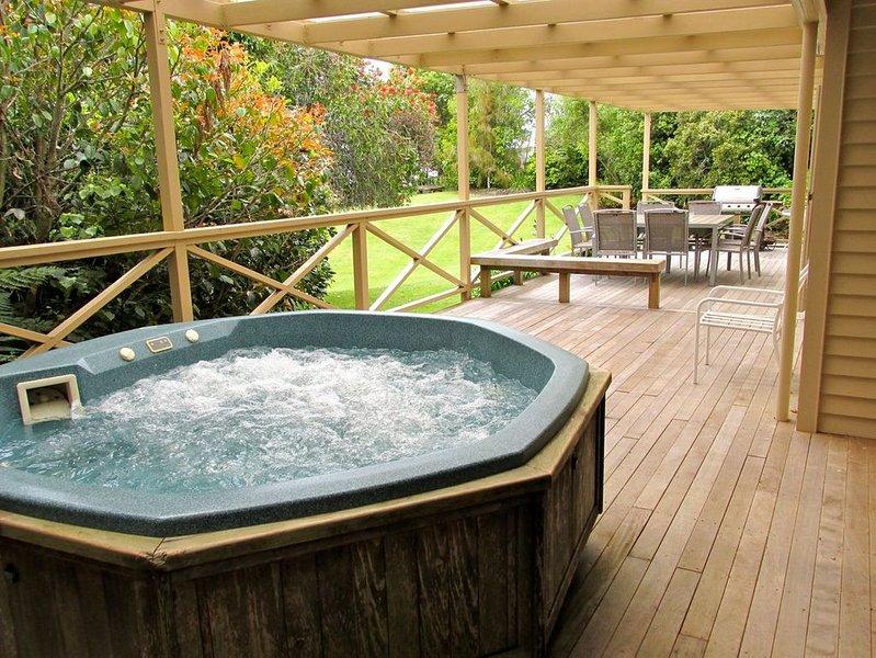 Lake Rotoehu Accommodation - Lake Rotoehu Holiday Home, holiday rental in Rotorua District