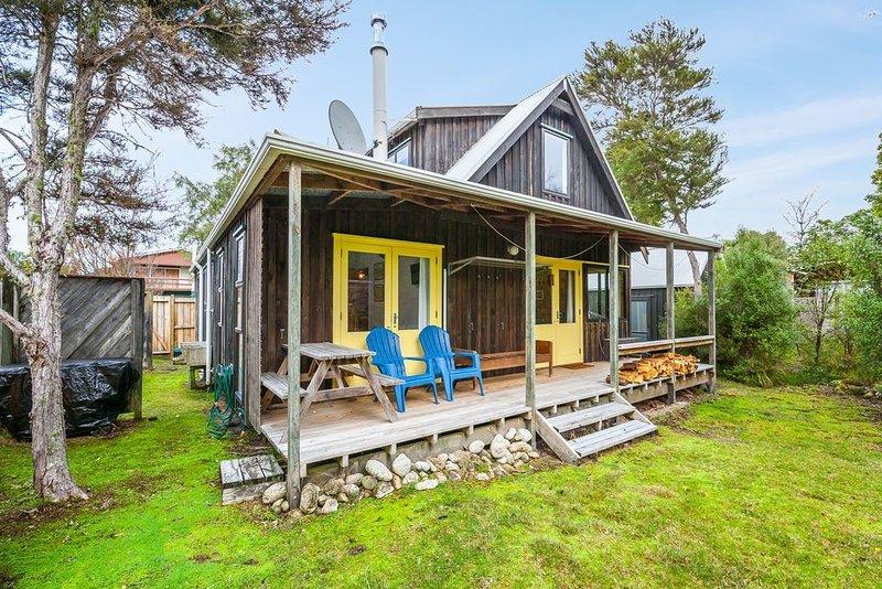 Parehopu Lake House - Taupo Holiday Home, location de vacances à Motuoapa