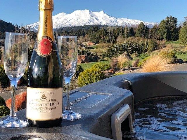 Heavenly Spa Views - Ohakune Holiday Home, location de vacances à Manawatu-Wanganui Region