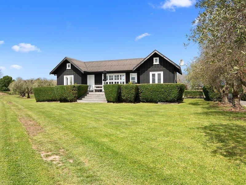 Black Cottage - Blenheim Holiday Home, alquiler vacacional en Marlborough Region