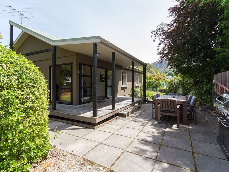 Arrowtown Cutie - Arrowtown Holiday Home, holiday rental in Gibbston