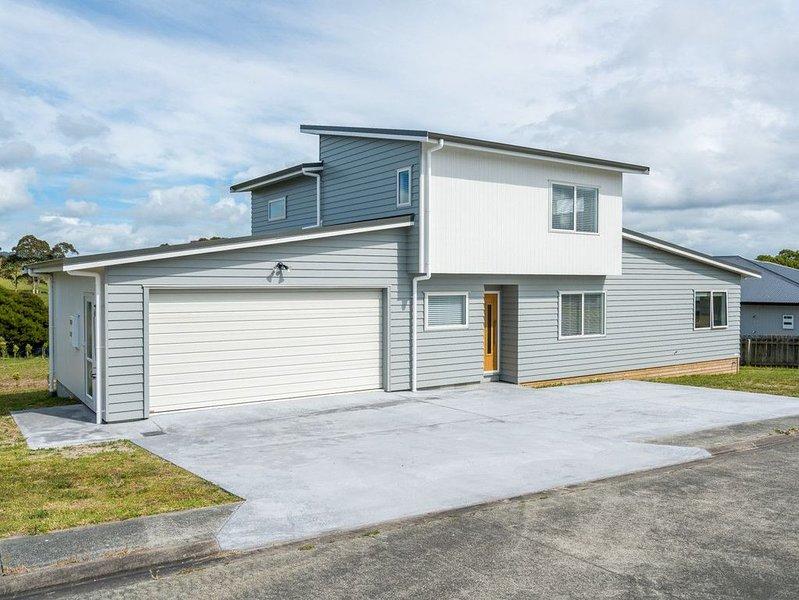 Ruakaka Sands - Ruakaka Holiday Home, holiday rental in Whangarei
