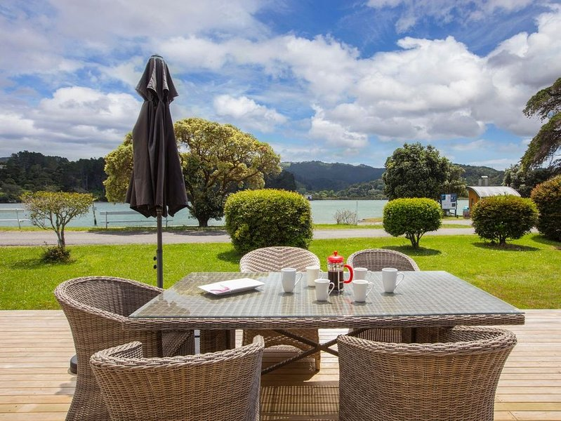 On Point - Point Wells Holiday Home, holiday rental in Warkworth