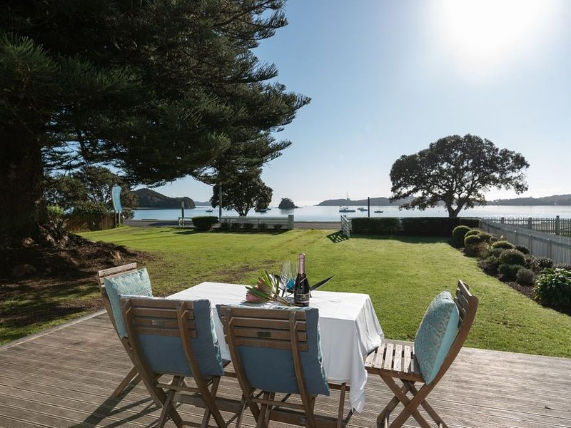 Wairangi Beach Cottage - Paihia Beach House, holiday rental in Rawhiti