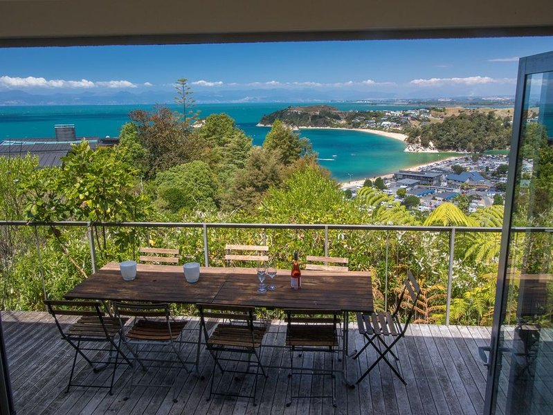 The Glass House - Kaiteriteri Holiday Home, alquiler de vacaciones en Takaka